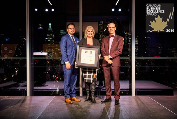 VaueTrend receives the 2019 Canadian Small Business Excellence Award in Toronto, Ontario